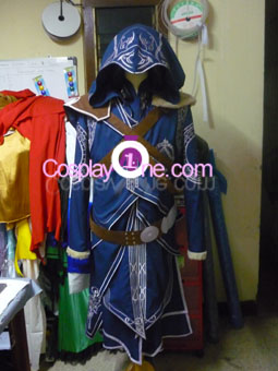 Ezio Auditore da Firenze from Assassin Creed Cosplay Costume front prog2